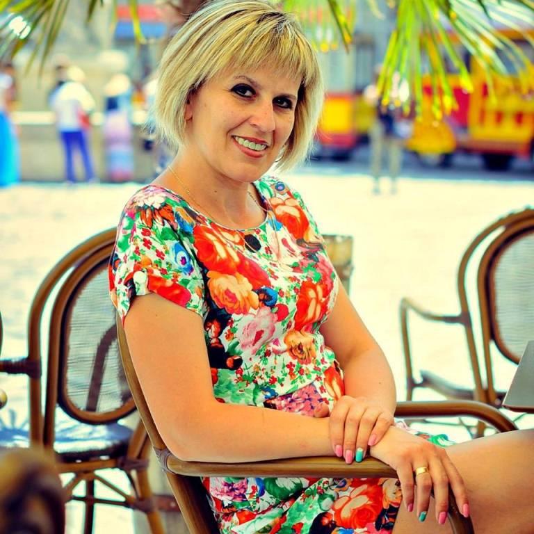 Абрамик Любов Богданівна - вчитель англійської мови