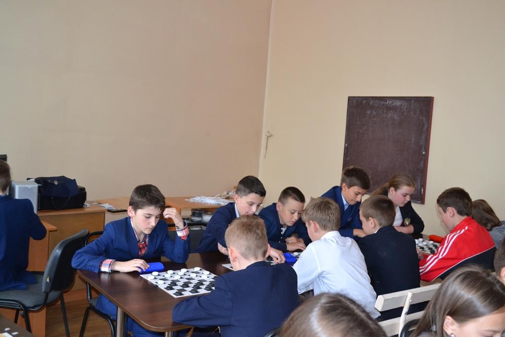 Турнір з гри «Шашки» ( 3-6-ті кл.)