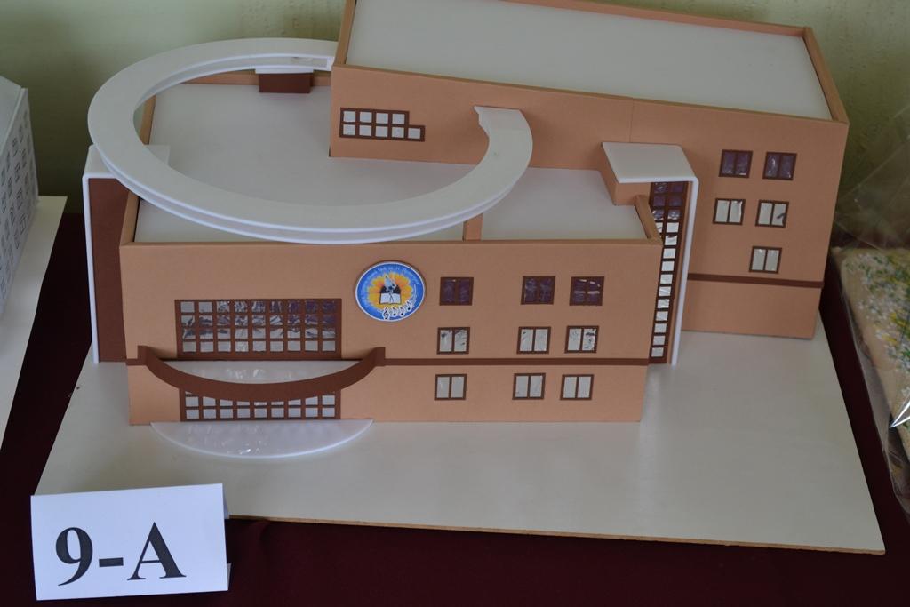 Виставка макетів школи
