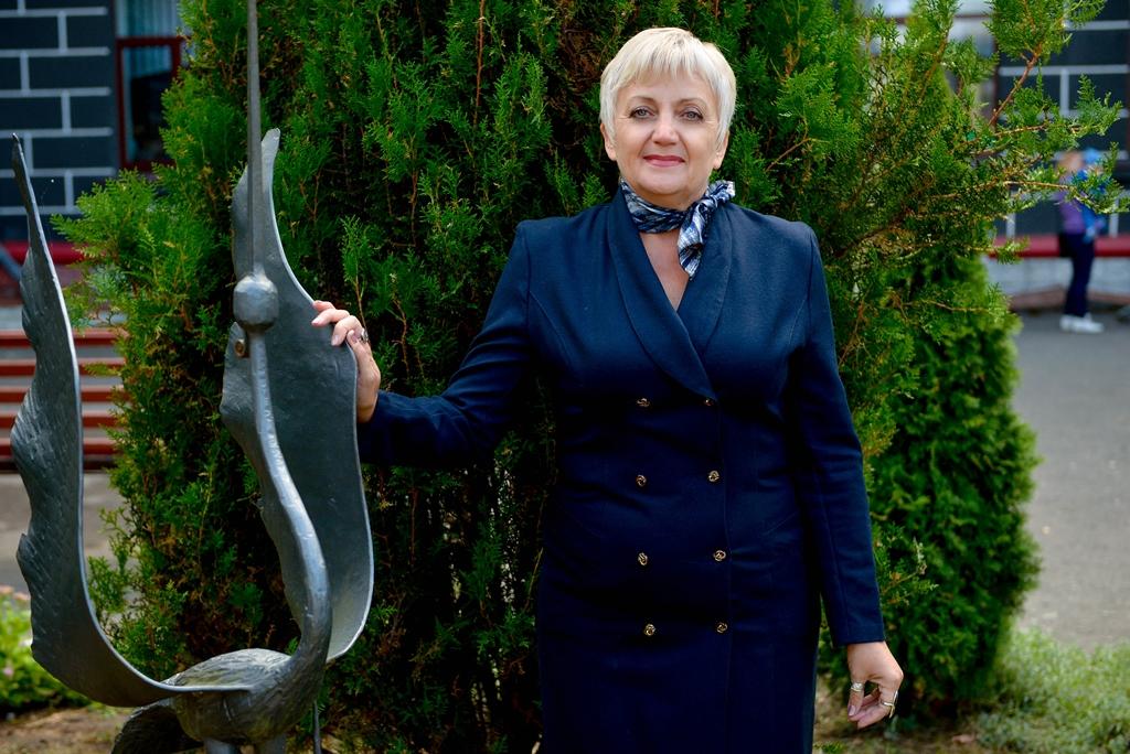 Сеник Надія Михайлівна - вчитель української мови та літератури
