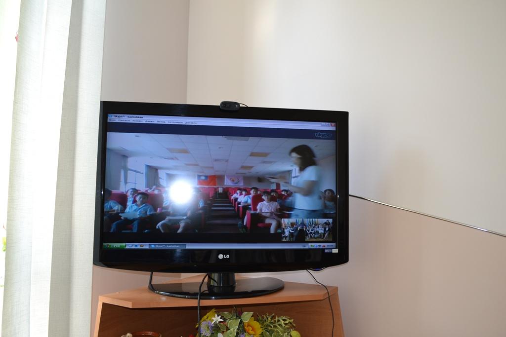 Віртуальне спілкування з учнями із Hsin Gang Elementary School, Taiwan